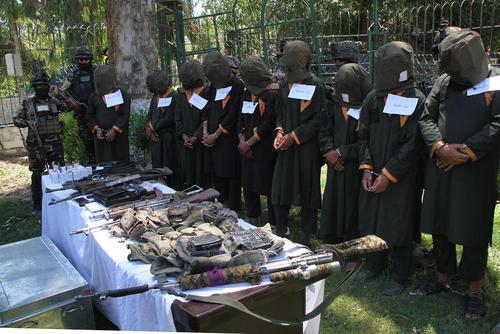 دستگیری 15 شبهنظامی مسلح در شهر جلالآباد افغانستان