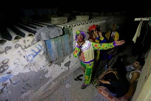 بیدار کردن مردم روزهدار برای سحری- باریکه غزه/ خبرگزاری آناتولی