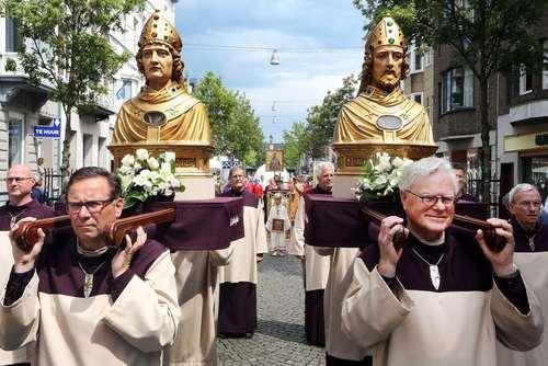 جشنواره آیینی و مذهبی در شهر ماستریخت هلند