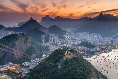 غروب آفتاب در یک روز بهاری در شهر ریودوژانیرو برزیل/ عکس روز وب سایت