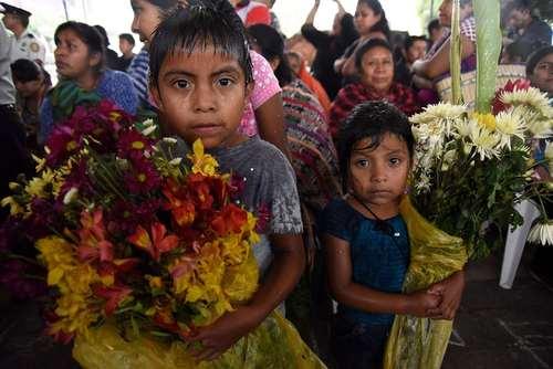 مراسم تشییع قربانیان آتشفشان هفته گذشته در گواتمالا/ خبرگزاری فرانسه
