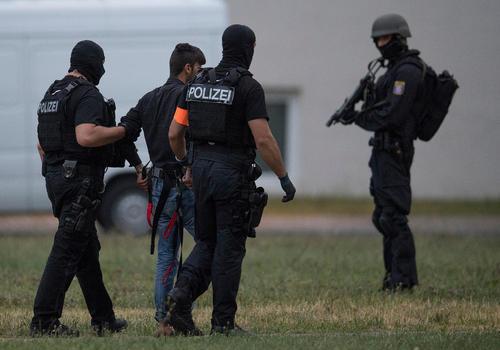 انتقال یک تروریست از اربیل عراق به فرانکفورت آلمان/ عکس: خبرگزاری آلمان