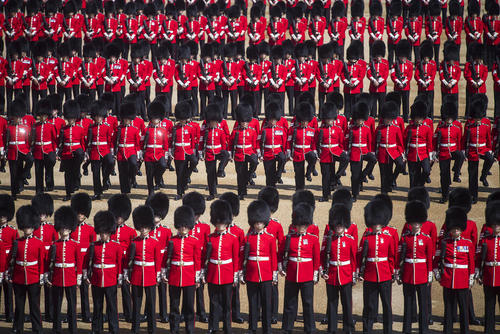 مراسم تولد رسمی ملکه بریتانیا/ لندن