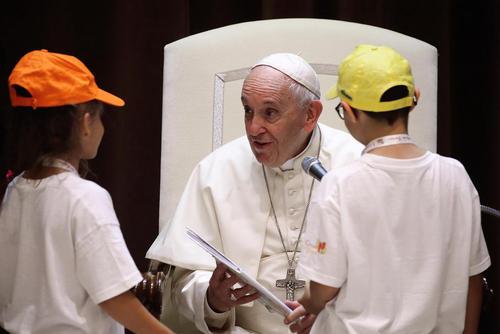 گپ و گفت پاپ فرانسیس با کودکان/ رم