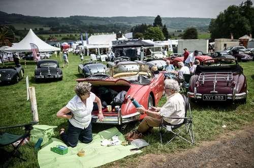 جشنواره خودروهای کلاسیک