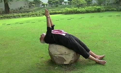 نخست وزیر هند در حال تمرین یوگا / دهلی نو/عکس: خبرگزاری فرانسه