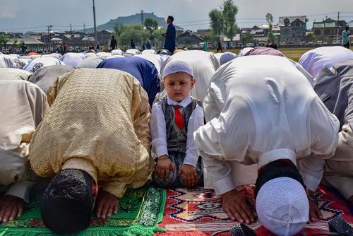 نماز عید فطر در سرینگر کشمیر