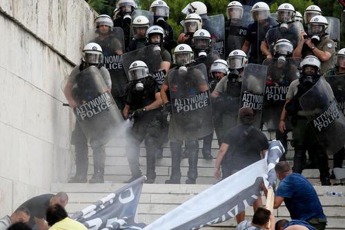 اعتراض در آتن یونان بر سر توافق دولت یونان با دولت مقدونیه بر سر نام کشور مقدونیه
