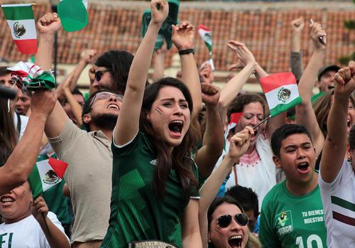 شادمانی شهروندان مکزیک از بُرد شیرین آلمان در مسابقات جام جهانی فوتبال – مکزیک