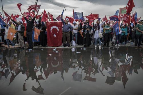 گردهمایی انتخاباتی حامیان رجب طیب اردوغان رییس جمهوری ترکیه در آستانه انتخابات ریاست جمهوری و پارلمانی زودهنگام در یکشنبه هفته آینده- استانبول/ خبرگزاری آلمان