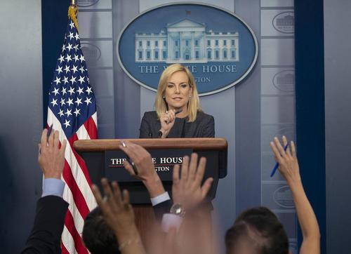 نشست خبری وزیر امنیت داخلی آمریکا/ واشنگتن