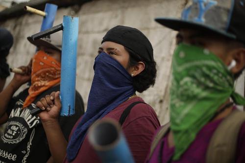 به خشونت کشیده شدن اعتراضات علیه حکومت