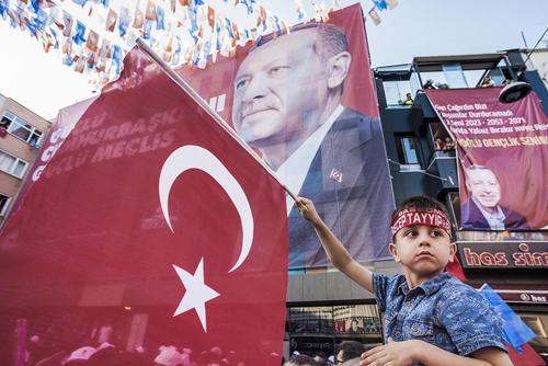 گردهمایی طرفداران اردوغان در آستانه انتخابات زودهنگام ریاست جمهوری در شهر استانبول ترکیه