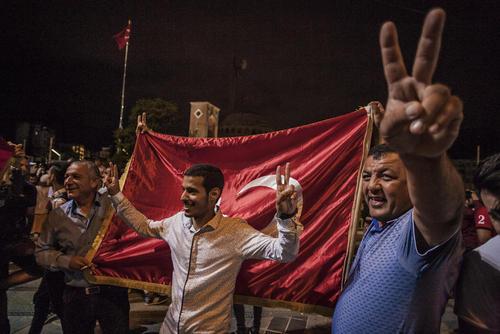 شادمانی هواداران اردوغان از پیروزی دوباره او در انتخابات اخیر ترکیه / استانبول