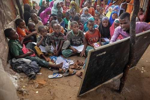 کلاس درس اردوگاه آوارگان سومالی در شهر موگادیشو/ خبرگزاری فرانسه