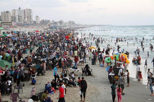ساحل غزه در روز تعطیل آخر هفته