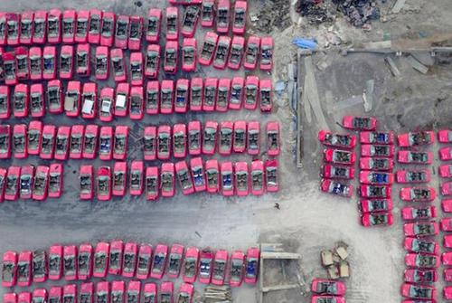 پارکینگ تاکسی های اوراقی تائییوان پس از برقی شدن تاکسیرانی شهر
