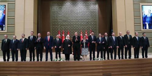 اردوغان به همراه کابینه جدید ترکیه