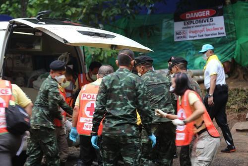 نجات 4 نوجوان از مجموع 12 نوجوان گرفتار در غاری در شمال تایلند