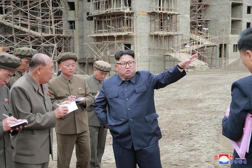 بازدید رهبر کره شمالی از یک پروژه  بزرگ ساختمانی در شمال این کشور/ خبرگزاری رسمی کره شمالی