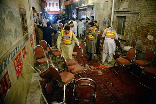 انفجار انتحاری در یک گردهمایی سیاسی در پیشاور پاکستان