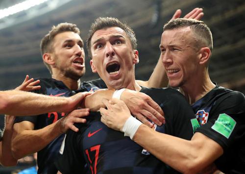 شادمانی بازیکنان تیم ملی فوتبال کرواسی از صعود این تیم به فینال جام جهانی 2018 روسیه