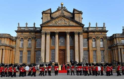 استقبال نخست وزیر بریتانیا و همسرش از دونالد ترامپ و همسرش در کاخ بلنهایم در شمال غرب لندن