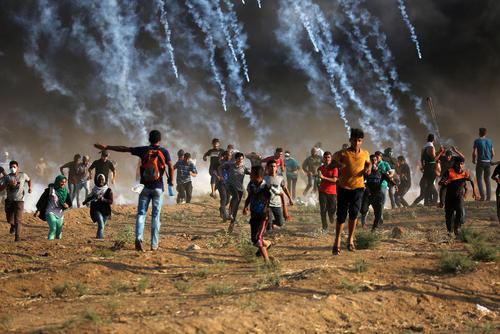 تظاهرات هفتگی فلسطینیها در مرز باریکه غزه و اسراییل