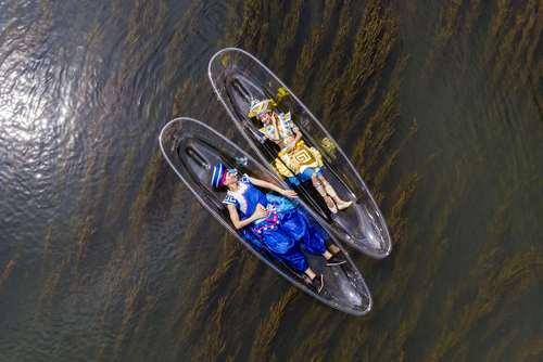اجرای نمایشی روی رود لیجیانگ در چین