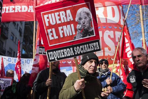 تظاهرات علیه گروه بیست و صندوق بین المللی پول در بوینوس آیرس آرژانتین