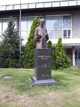 مجسمه ای از نیکولا تسلا فیزیکدان و مهندس بزرگ برق