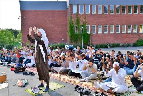 برگزاری نماز باران در استکهلم سوئد/عکس: آناتولی