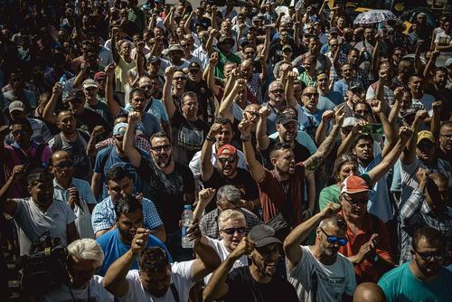 تظاهرات تاکسیداران شهر بارسلونا اسپانیا علیه رقابت نابرابر با اپلیکیشنهای مسافربر