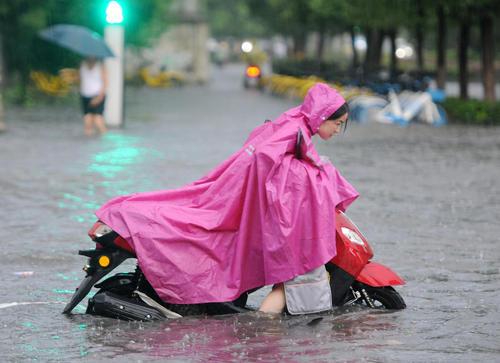 سیلاب در شهر جیانگشی چین / شینهوا