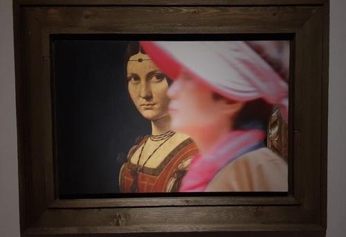 تابلو: تصویر یک زن معروف به فرونیر زیبا 1495 میلادی/ نقاش: لئوناردو داوینچی