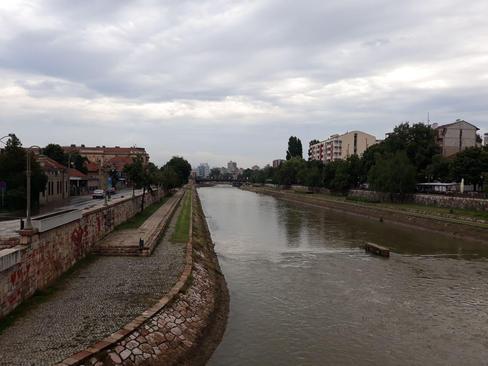 رودخانه نیشاوا که از مرکز شهر نیش می گذرد/ صربستان