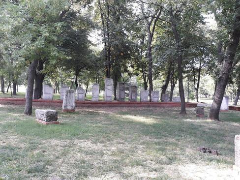 فضای سبز و جنگلی قلعه تاریخی شهر نیش - جنوب صربستان