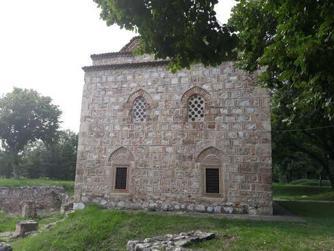 مسجد تاریخی بالی بی ( ۱۵۲۱ میلادی ) در قلعه تاریخی شهر نیش در جنوب صربستان