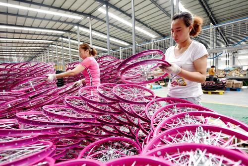 کارخانه تولید دوچرخه کودکان- چین/ شینهوا