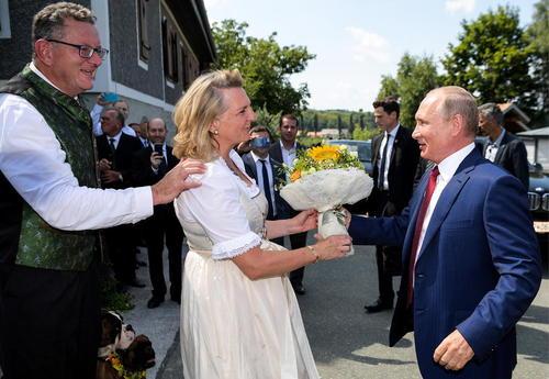 استقبال وزیر خارجه اتریش از پوتین