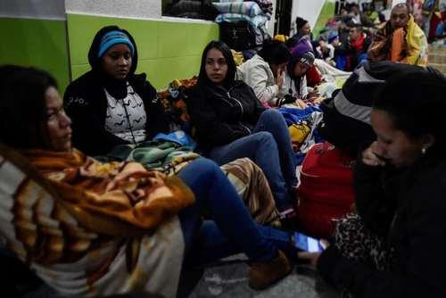 مهاجران ونزوئلایی در مرز اکوادور/ خبرگزاری فرانسه