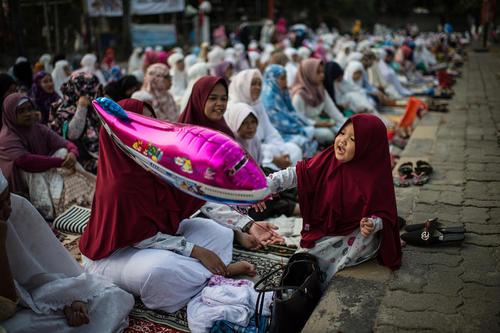 نماز عید قربان در مسجدی در جاکارتا اندونزی
