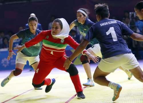 بازی فینال کبدی بین تیم ایران و هند در مسابقات آسیایی جاکارتا/ آسوشیتدپرس