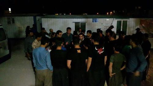 فرماندار ثلاث باباجانی در بین مردم وحشت زده و دادن آرامش به آنان در درمانگاه شهر تازه آباد