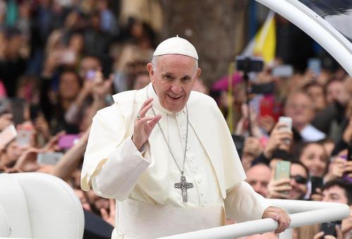 استقبال از پاپ فرانسیس در شهر دوبلین ایرلند