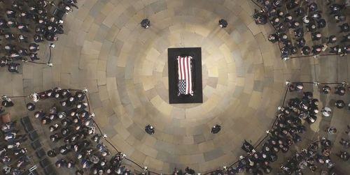 مراسم تشییع پیکر مک کین در کلسای جامع واشنگتن  تصاویر: