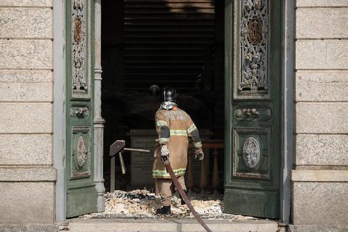 معدوم شدن چندین میلیون قطعه از آثار تاریخی و باستانی برزیل در آتش سوزی عظیم و بزرگ موزه ملی برزیل در شهر ریودوژانیرو/ رویترز