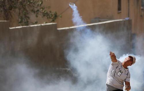 تظاهرات ضد اسراییلی فلسطینی ها در شهر نابلس در کرانه غربی