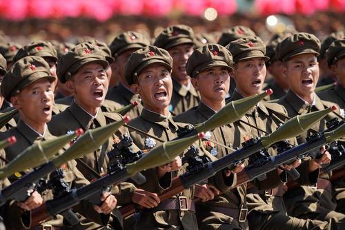 رژه نظامی به مناسبت هفتادمین سالگرد تاسیس حکومت کره شمالی/ پیونگ یانگ/ شینهوا