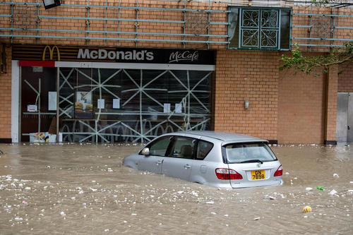 سیلاب در نتیجه توفان مهیب